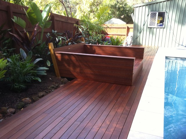 Timber Deck With Built In Day Bed