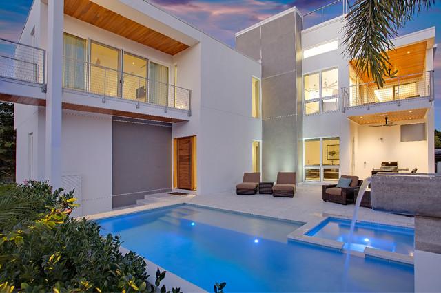 TipTopHaus contemporary-pool