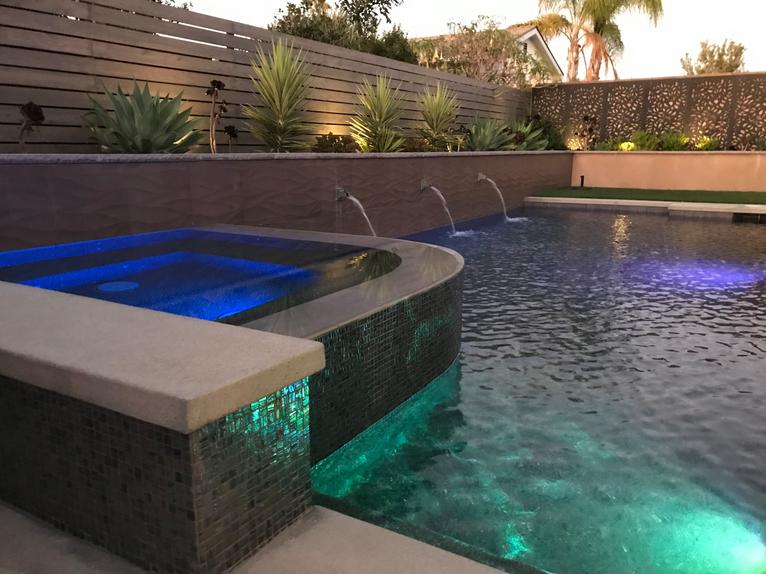 Vanishing Edge Spa and Water Features