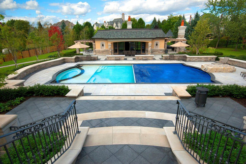 For much larger pools, such as this one, the convenience of the automatic cover is multiplied. The size of the pool makes a great deal of difference on the ease of the task when you have to manually apply a pool cover.