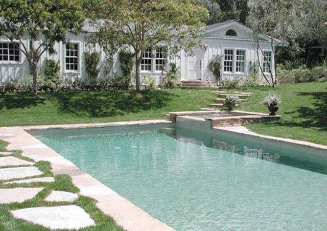 Traditional Exterior with Pool traditional-pool