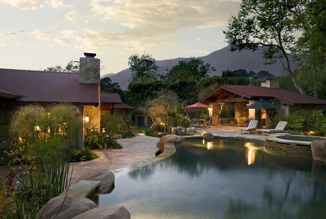 Traditional Home traditional-pool