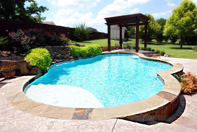 Traditional Pool And Spa With Raised Beam Wall Traditional Pool Dallas By Sam 39 S Outdoor