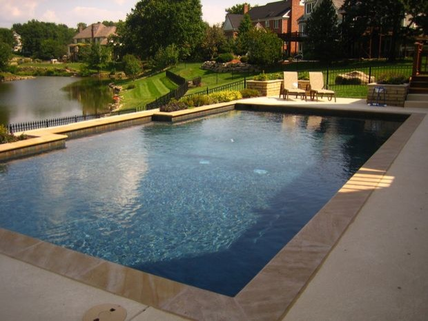 Swimming pools and spas traditional pool kansas city for Best pool builders in kansas city