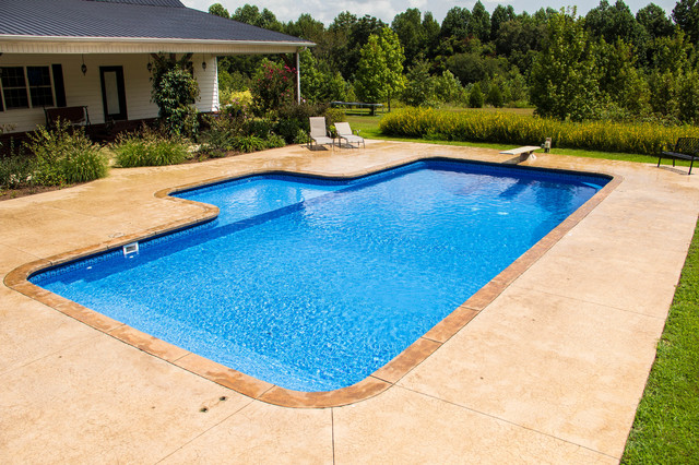 Troy TN Rectangle With Sun Ledge Traditional Pool