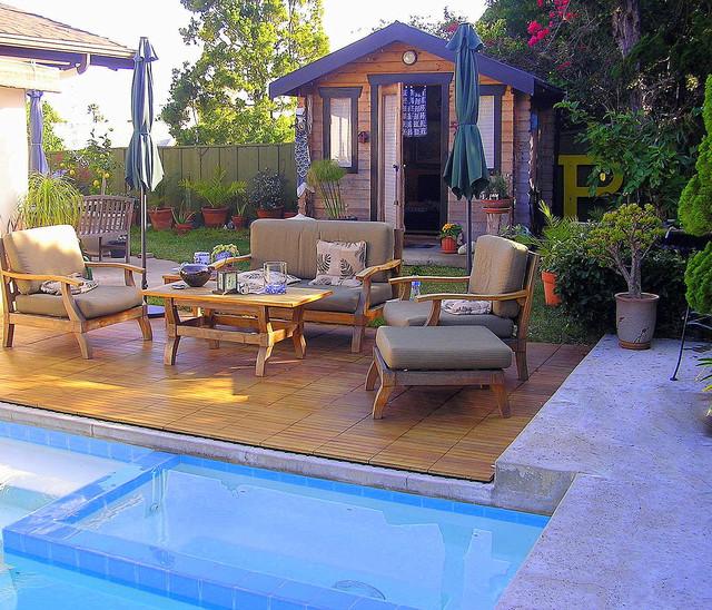 True Outdoor Living midcentury-pool