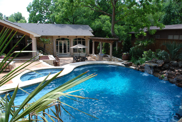 Inspiration for a pool remodel in Dallas