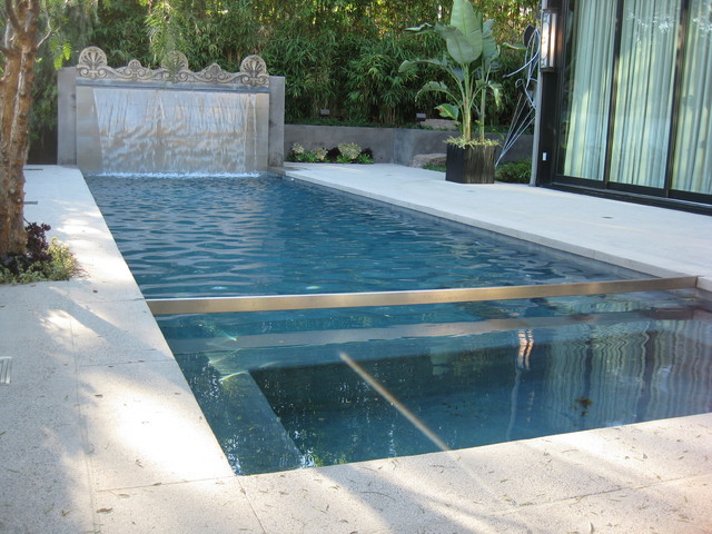 Ultra modern pool water feature in hollywood hills for Pool design water feature