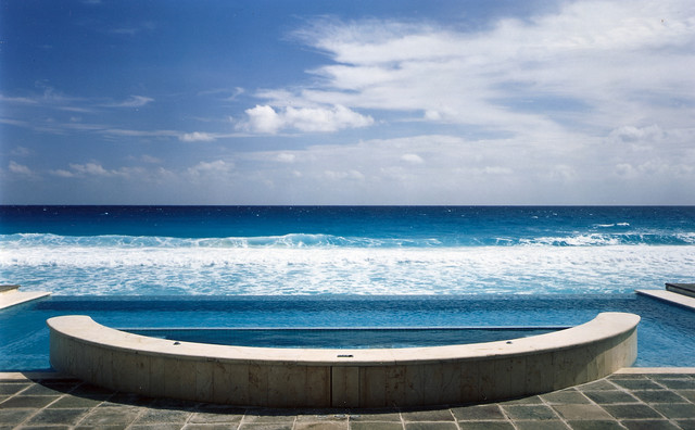 Vanishing Edge or infinity pool mediterranean pool