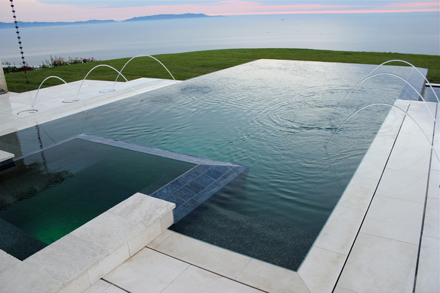 Vanishing edge pool - Infinity edge swimming pool ...