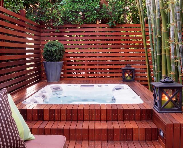外景红色泳池现代风格装饰设计图片