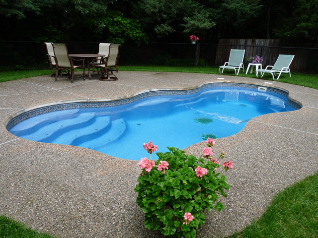 Viking Fiberglass Pools Bermuda Traditional Pool