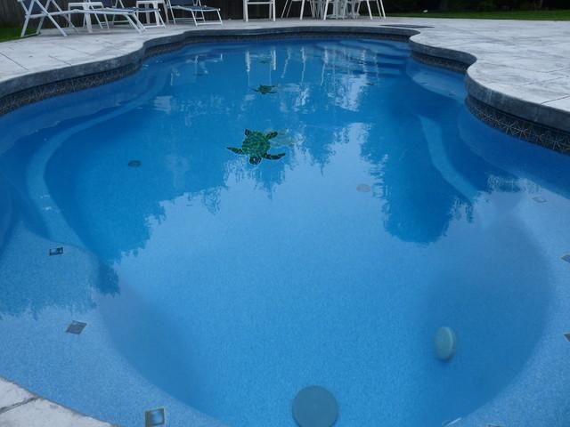 Viking Fiberglass Pools Bermuda Traditional Pool