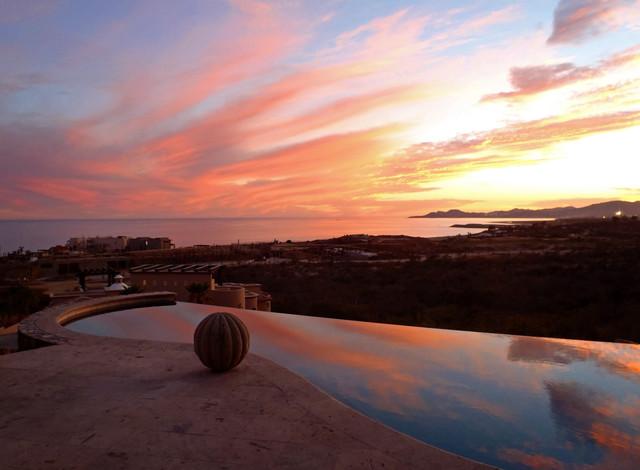 Villa Brisas Del Mar contemporary-pool
