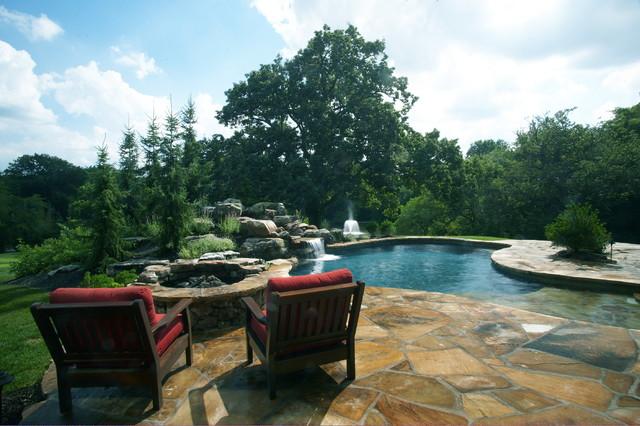 Villa pool classico piscina kansas city for Aggiunte garage per case in stile ranch