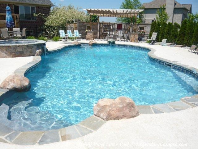 Vinyl liner pool saline mi baa traditional pool for Vinyl swimming pool