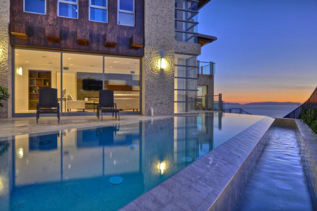 Vista Del Mar contemporary-pool