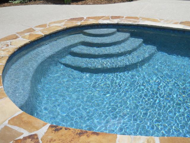 Wet Edge Prism Matrix Blue Lagoon Traditional Pool