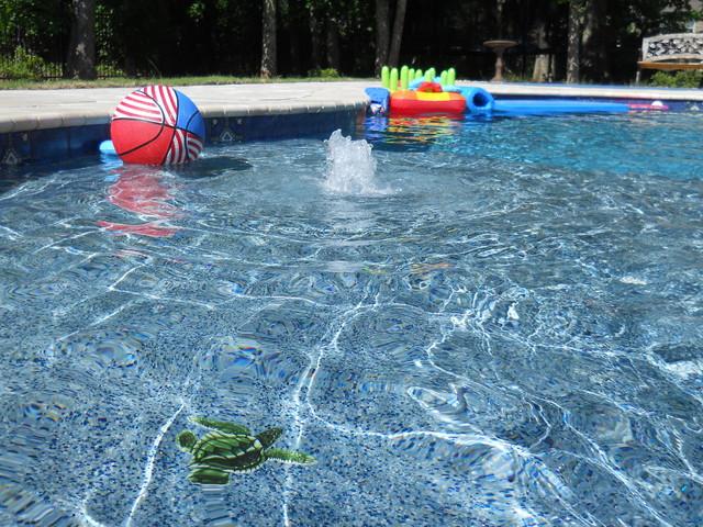 Wet Edge Prism Matrix Indigo Blue Traditional Pool