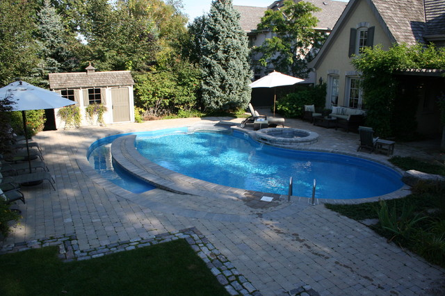 Wheelchair accessible swimming pool traditional pool for Handicap wheelchair