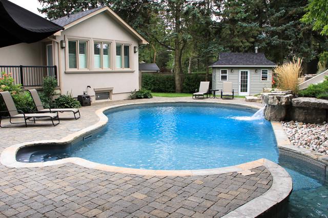 Oltre 1000 idee su walk in pool su pinterest cortili for Big blue piscine