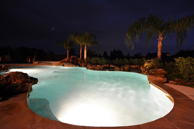 Whispering Lakes, League City traditional-pool