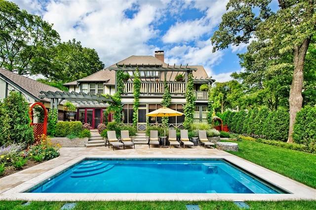 Winnetka il pool swimming pools chicago platinum pools for Traditional swimming pool designs