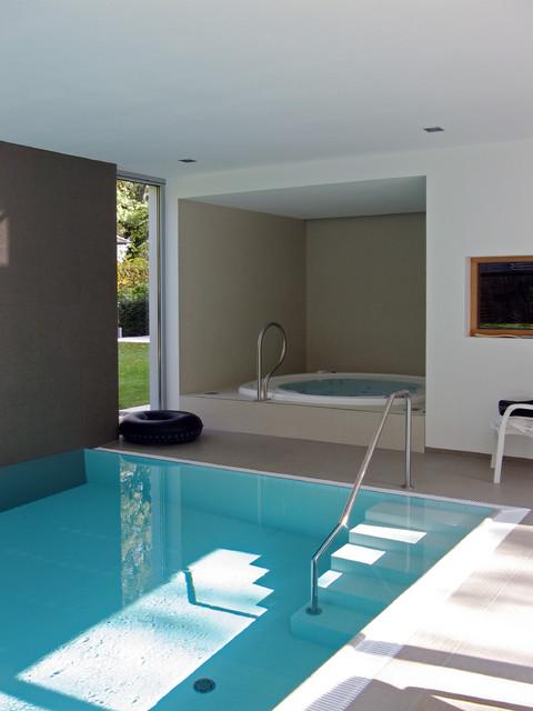 wohnhaus mit schwimmbad modern pools leipzig von. Black Bedroom Furniture Sets. Home Design Ideas