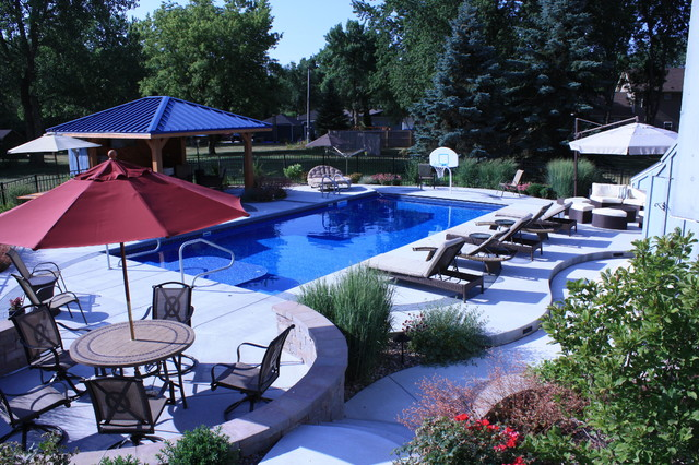 WRA Residential Landscaping Over $60,000 Gold Award Winner contemporary-pool