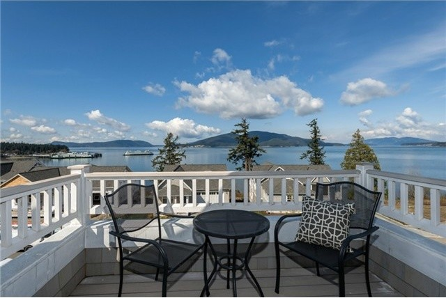 4515 Cutter Drive, Anacortes beach-style-porch