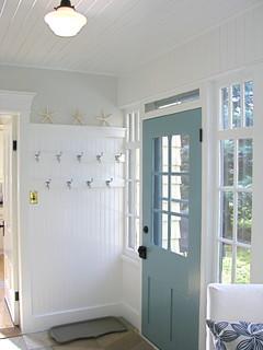 A Pretty Porch/mudroom/laundry Room   Traditional   Porch   Toronto   By  HARDROCK CONSTRUCTION
