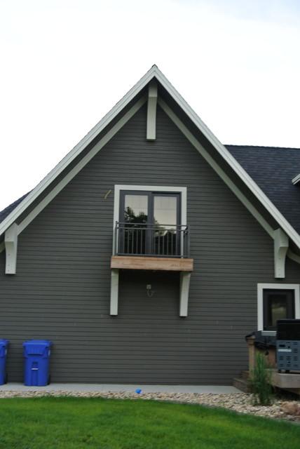 Balcony above garage