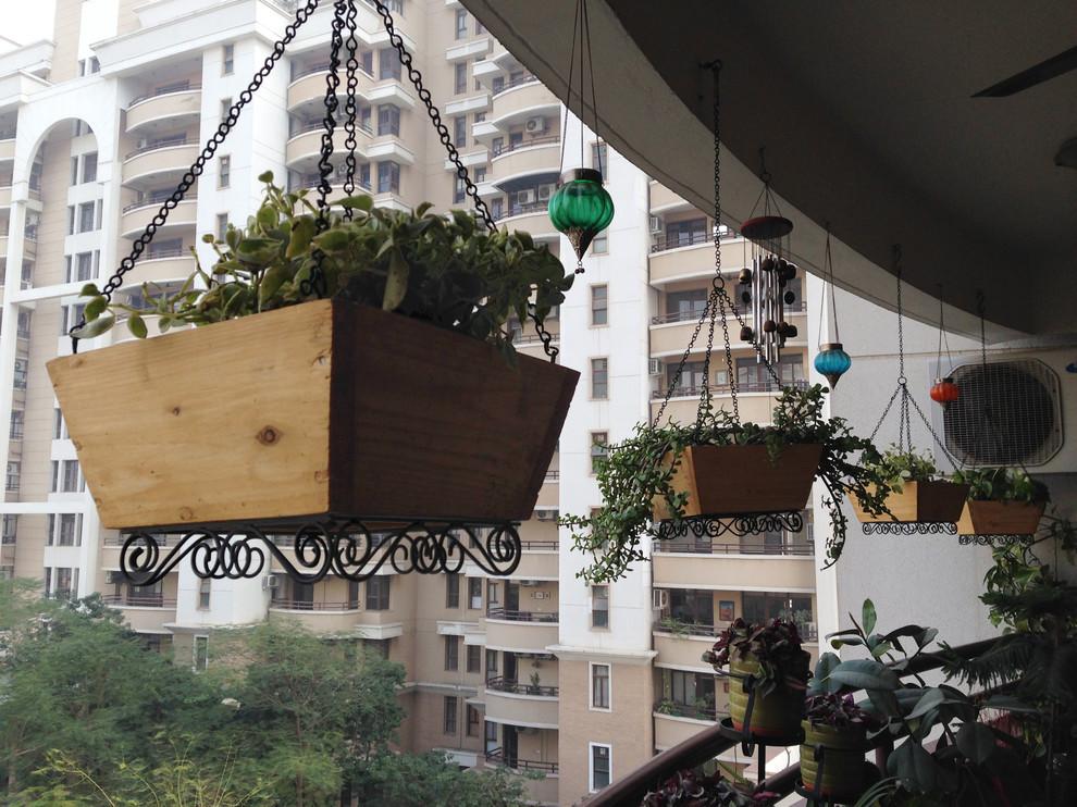 Eclectic porch idea in Delhi
