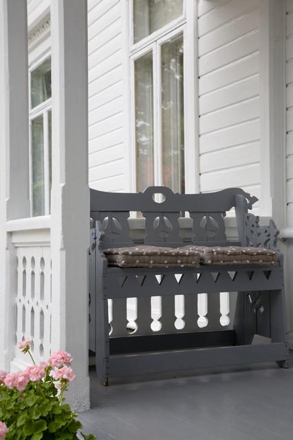 Bestumveien traditional-porch