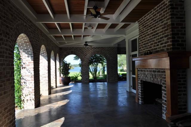 Bluff Plantation tropical-porch