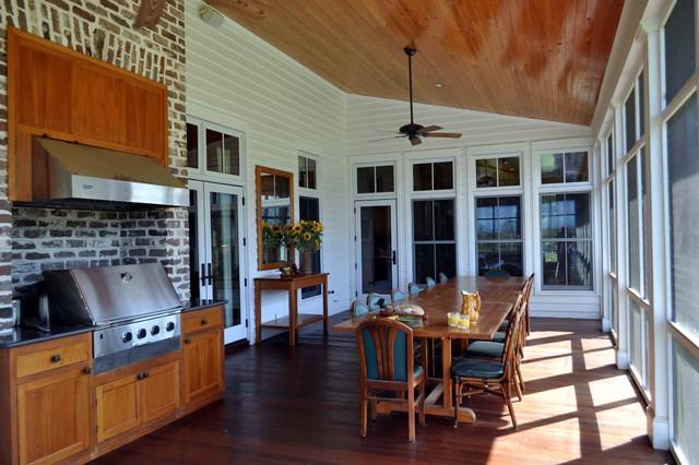 Bluff Plantation traditional-porch