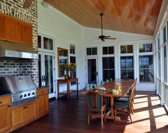 Bluff Plantation traditional-porch