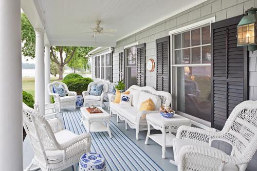 Bountiful contemporary porch