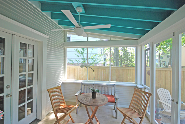 Bungalow With New Screen Porch Carriage House Arts And Crafts Veranda
