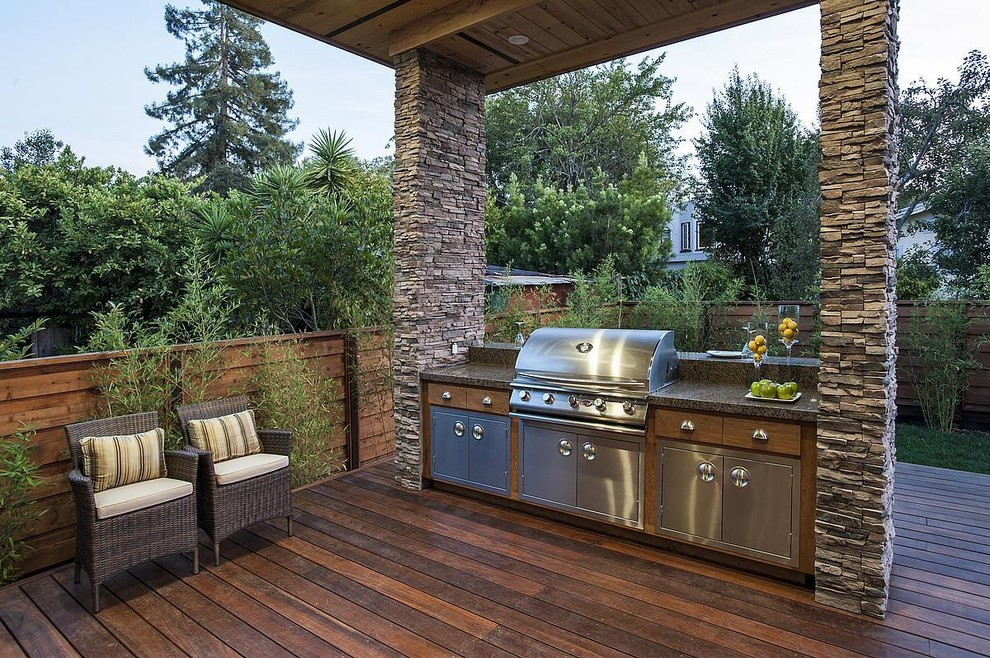Elegant outdoor kitchen porch photo in San Francisco