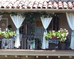 Camden Drive, Beverly Hills traditional-porch