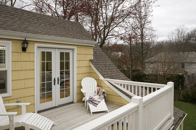 Cape cod addition second floor porch traditional porch for 2nd floor house front design