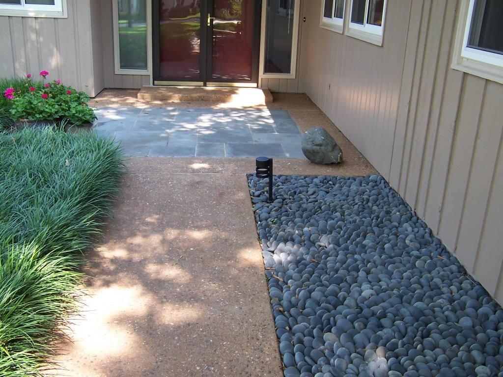 Chesterfield, Missouri custom exposed aggregate and sawn bluestone masonry porch