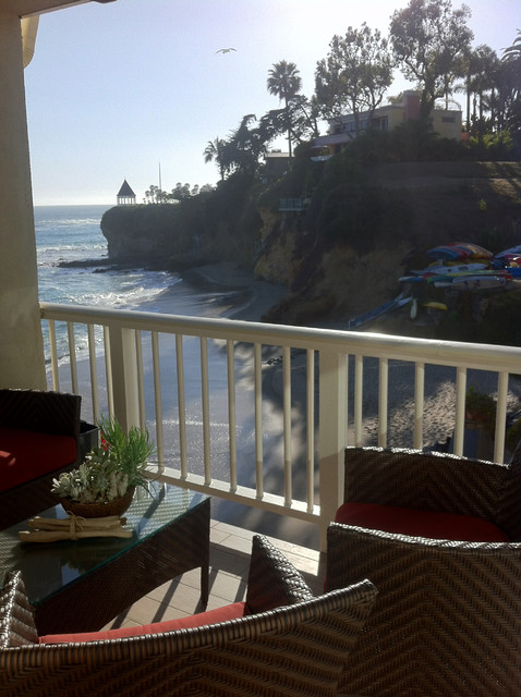 Laguna Beach: Condo contemporary-porch