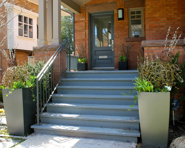 Cluny Drive traditional-porch