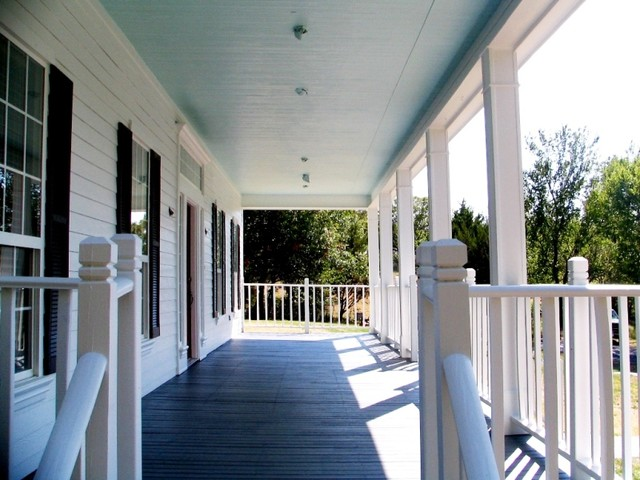 Complete Exterior Repaint of Farm Style Home in Weatherford traditional-porch
