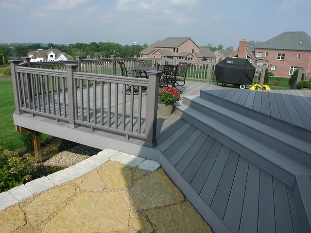 Composite  / pvc decks traditional-porch