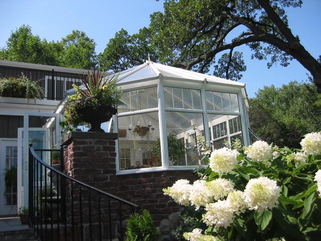 Conservatory Craftsmen traditional-porch