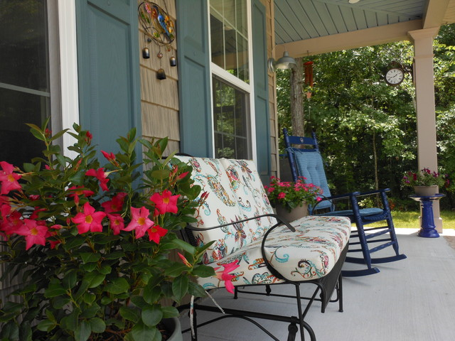 Cottage style decorating our front porch farmhouse Cottage porch decorating ideas