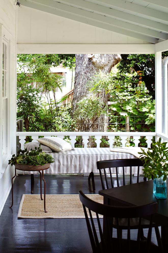 Inspiration for a country porch remodel in Austin